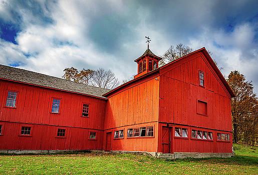 William Cullen Bryant Barn 2 by Jim Gillen