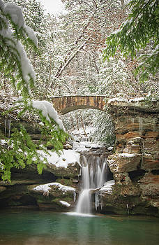 Winter at Old Man's Cave, Hocking Hills State Park in Ohio by Ina Kratzsch