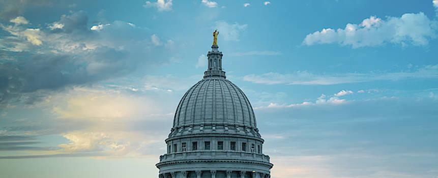 Wisconsin State Capital Dome by Steve Gadomski
