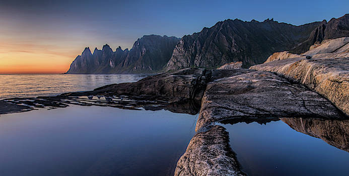 Wolf's Jaws by Frank Olsen