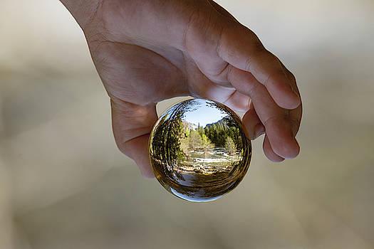 Wonder Globe by Khalid Mahmoud