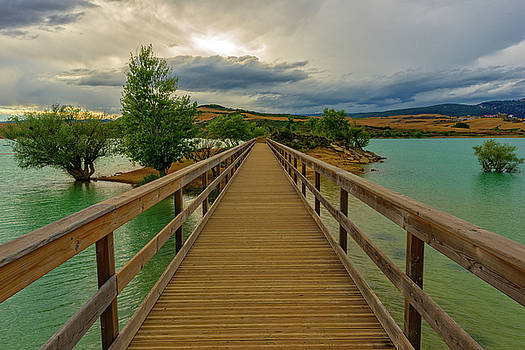 Wooden bridge by Vicen Photography