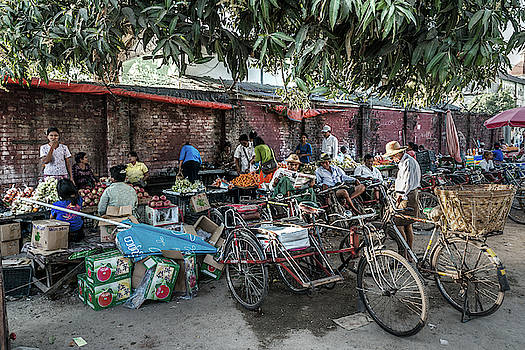 Yangon Market by Ian Robert Knight