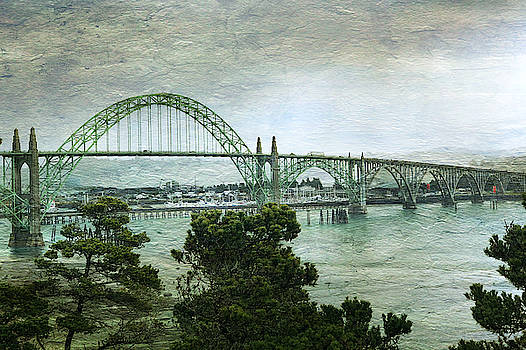 Tatiana Travelways - Yaquina Bay Bridge