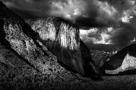 Yosemite Evening by Andrew Soundarajan