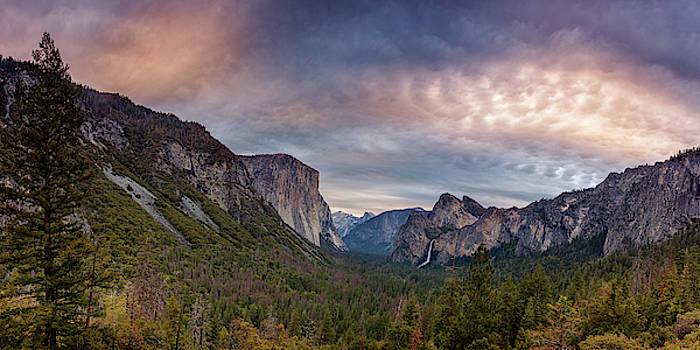 Yosemite View by Andrew Soundarajan