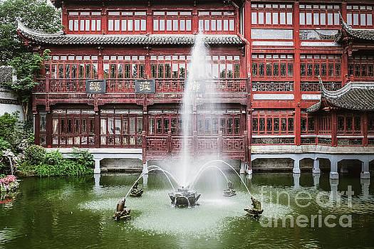 Yu Garden Shanghai by Iryna Liveoak