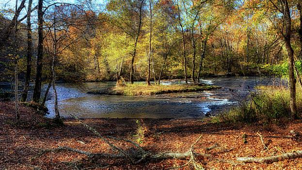 Susan Rissi Tregoning - Autumn at the Buffalo River