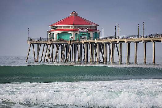 Cliff Wassmann - Rubys on the Huntington Beach Pier