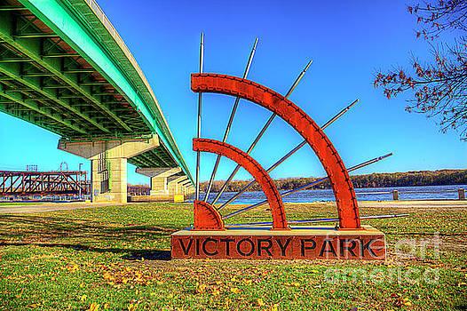 Larry Braun - Victory Park