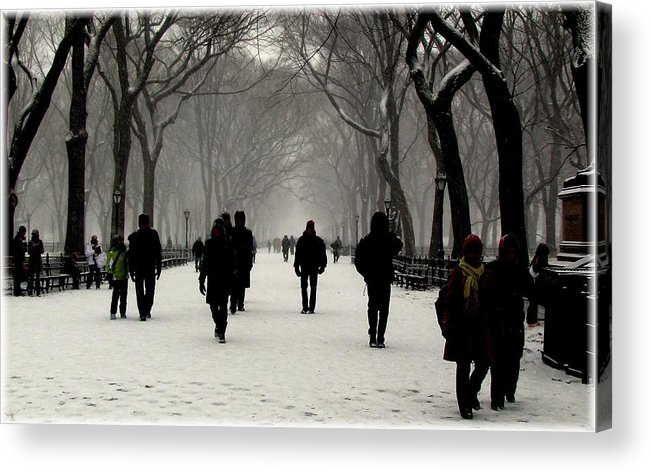 New York Acrylic Print featuring the photograph Faceless by Jeff Watts