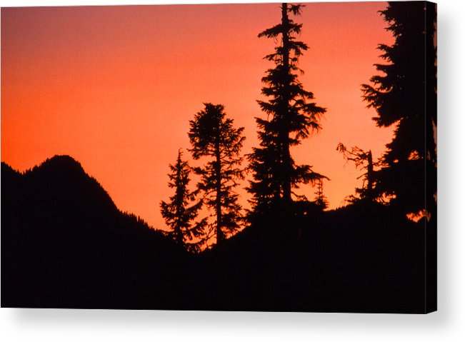 Sunset Acrylic Print featuring the photograph Sunset In The Mountains 2 by Lyle Crump