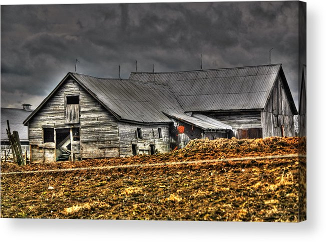 Rcouper Acrylic Print featuring the photograph Old Barn2 by Rick Couper