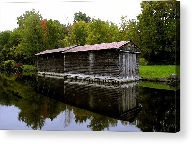 Barge House Acrylic Print featuring the painting Barge House On The Erie Canal by David Lee Thompson
