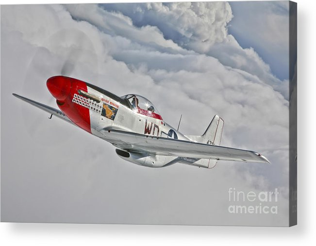 Horizontal Acrylic Print featuring the photograph A P-51d Mustang In Flight by Scott Germain