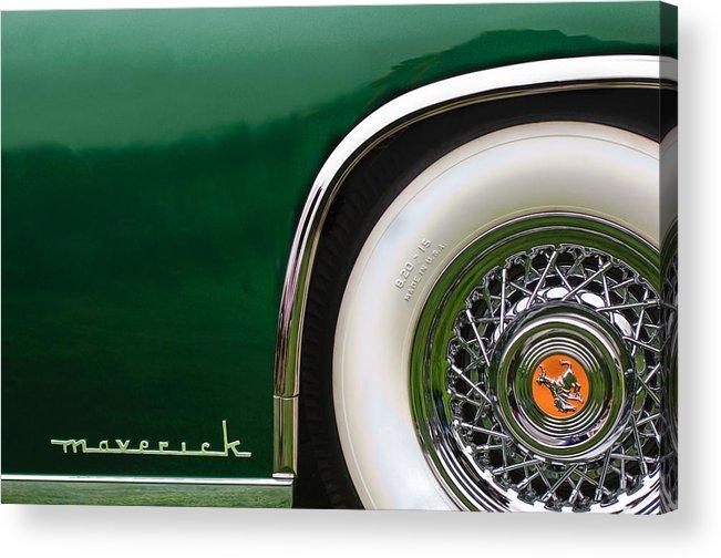1952 Sterling Gladwin Maverick Sportster Wheel Emblem Acrylic Print featuring the photograph 1952 Sterling Gladwin Maverick Sportster Wheel Emblem -0321c 1952 by Jill Reger