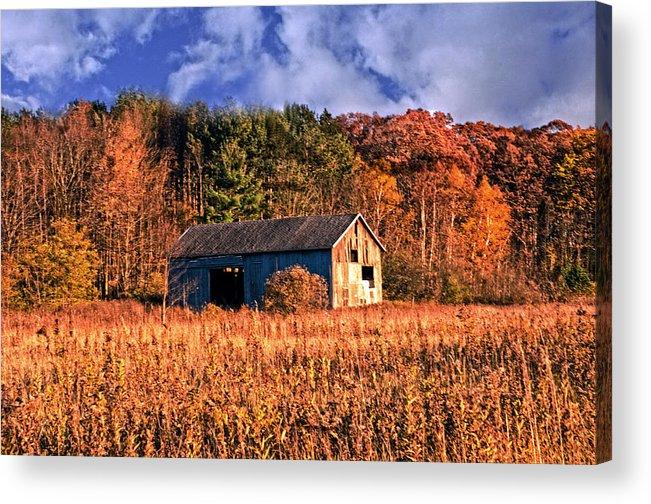 Barn Acrylic Print featuring the photograph Autumn Barn by Cheryl Cencich