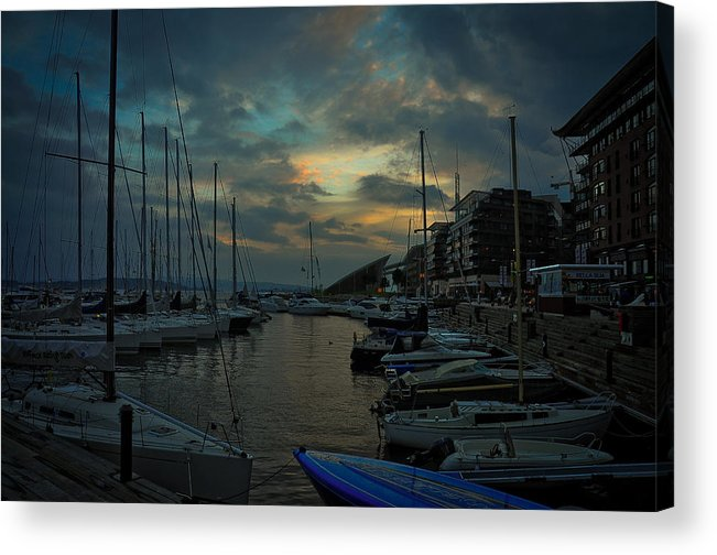 Seascape Acrylic Print featuring the photograph Glowing Aker Brygge by Dave Reed