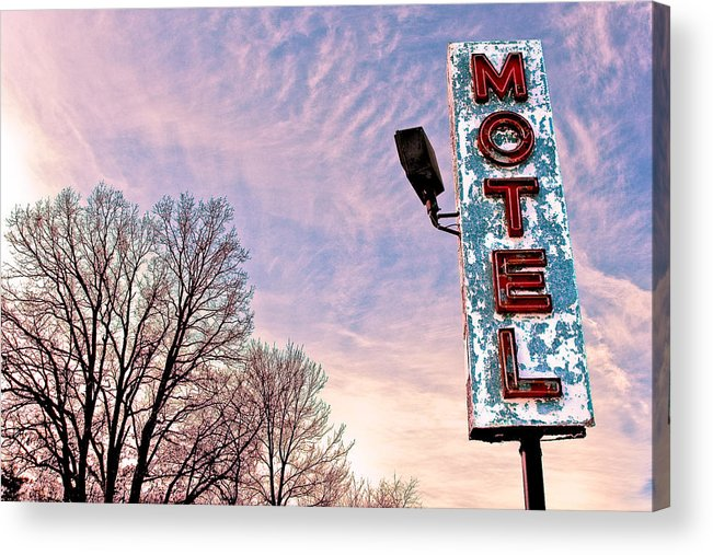Motel Sign Acrylic Print featuring the photograph Motel Sign by John Henkel