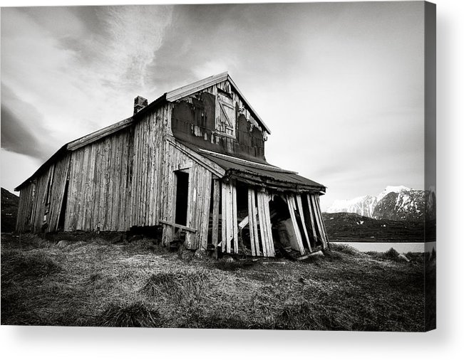 Barn Acrylic Print featuring the photograph Old Barn by Dave Bowman