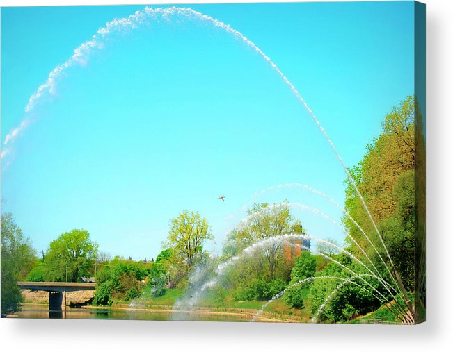 Landscape Acrylic Print featuring the photograph Powerful Fountain On The Thames River by Melissa Rensen