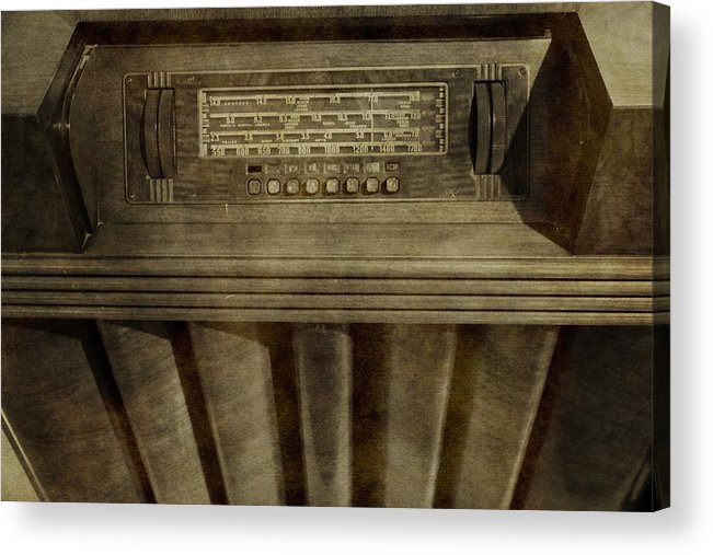 Vintage Radio Acrylic Print featuring the photograph Vintage Radio by Dan Sproul
