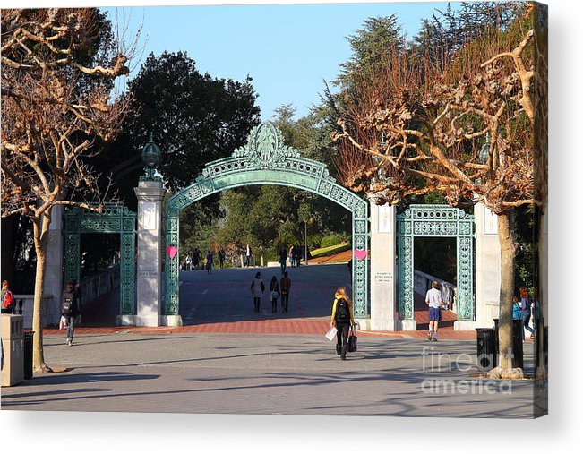 Sproul Acrylic Print featuring the photograph Uc Berkeley . Sproul Plaza . Sather Gate . 7d10020 by Wingsdomain Art and Photography