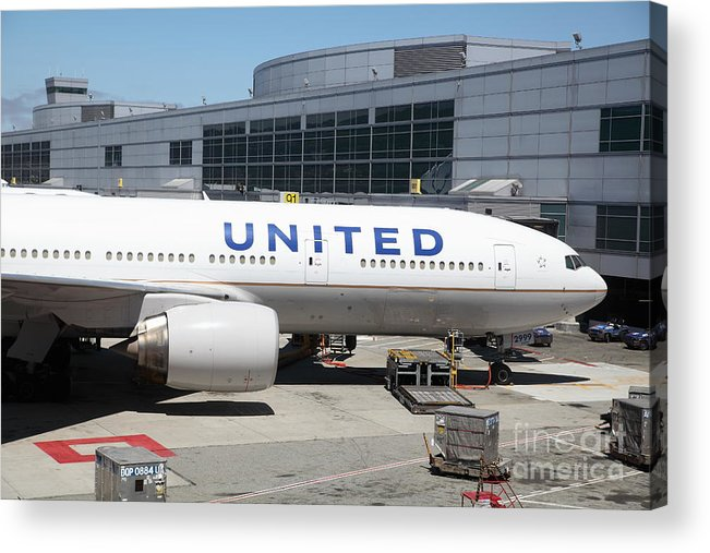 Transportation Acrylic Print featuring the photograph United Airlines Jet Airplane At San Francisco Sfo International Airport - 5d17109 by Wingsdomain Art and Photography
