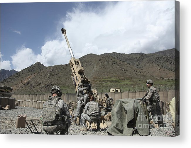Men Acrylic Print featuring the photograph U.s. Soldiers Prepare To Fire by Stocktrek Images