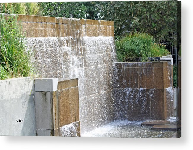 Fountain Acrylic Print featuring the photograph 9750 by Jim Simms