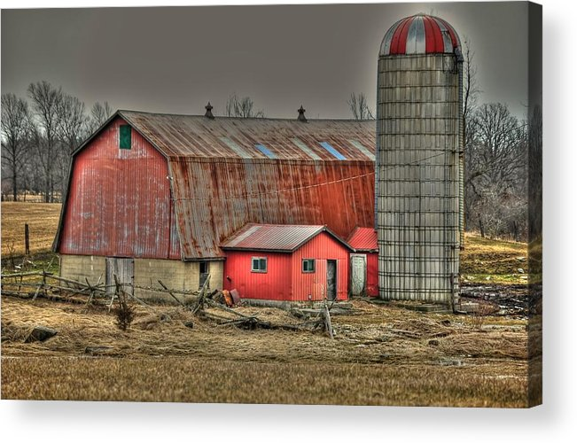 Rcouper Acrylic Print featuring the photograph Barnsilo32 by Rick Couper