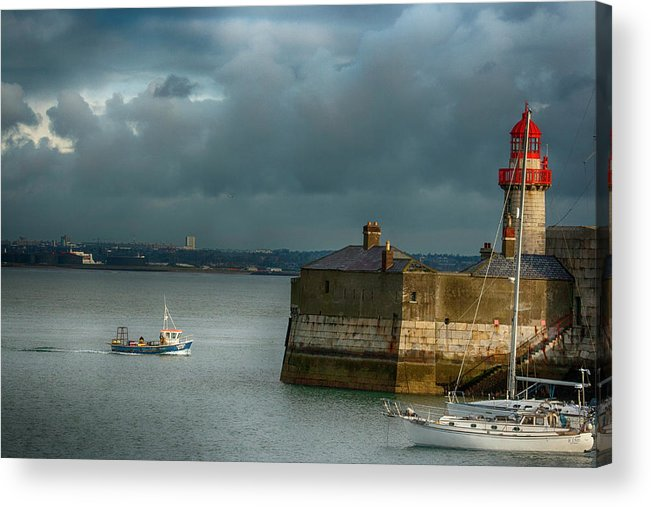 Dun Laoghaire Acrylic Print featuring the photograph Dun Laoghaire Harbor Lighthouse by Larry Pegram