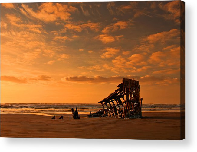 Peter Iredale Acrylic Print featuring the photograph Final Resting Place by Dan Mihai