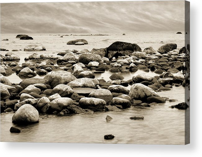 Georgian Bay Acrylic Print featuring the photograph Georgian Bay by Linda McRae