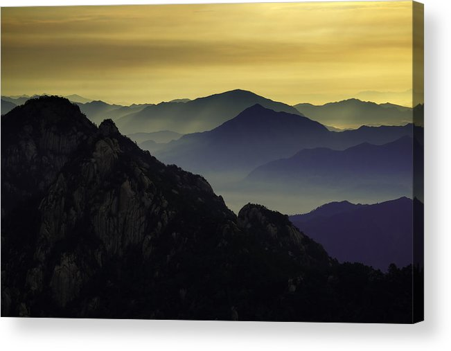 Mount Huangshan Acrylic Print featuring the photograph Huangshan At First Light by Rick Wong