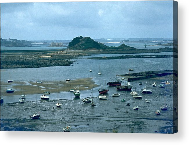 Low Tide Acrylic Print featuring the photograph Low Tide by Flavia Westerwelle
