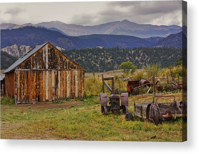 Black Mesa Acrylic Print featuring the photograph Spanish Peaks Ranch 2 by Charles Warren