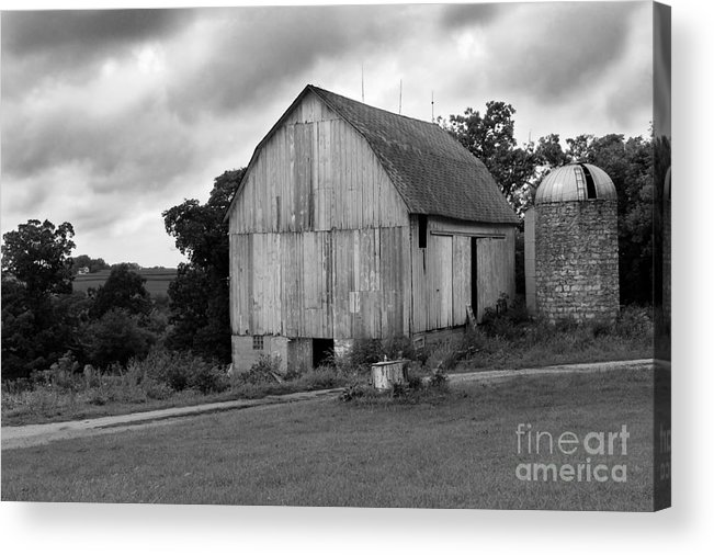 Barn Acrylic Print featuring the photograph Stormy Barn by Perry Webster