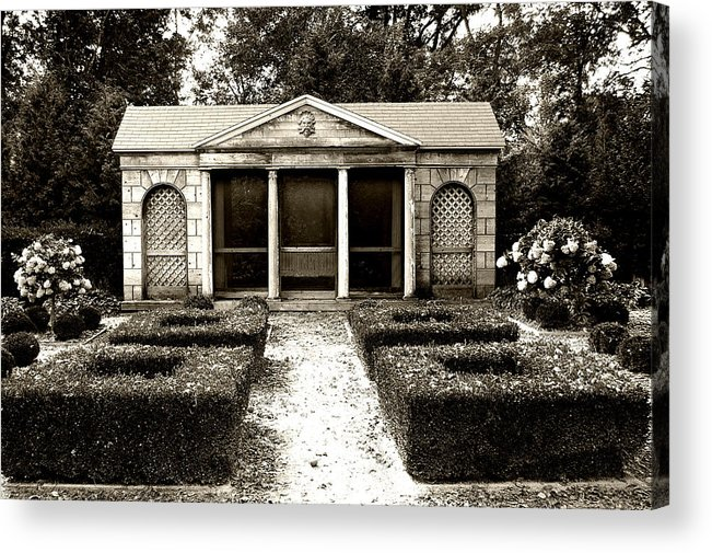 Garden Acrylic Print featuring the photograph The Old Garden House by Tom Reynen