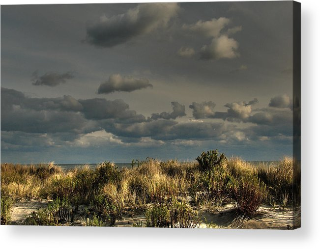 Ufo Acrylic Print featuring the photograph Ufo Inadvertent by Kevin Sherf