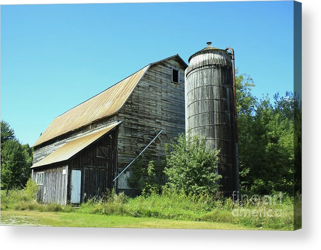 Barn Acrylic Print featuring the photograph Wooden Silo by Deborah Benoit