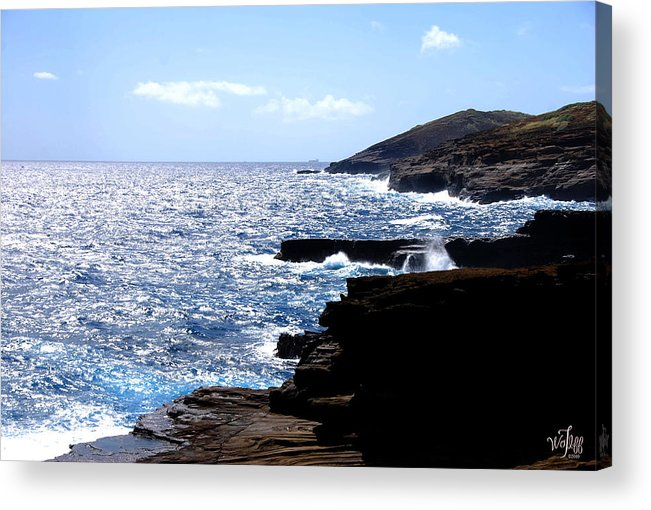 Seascape Acrylic Print featuring the photograph Hawaii by Thea Wolff