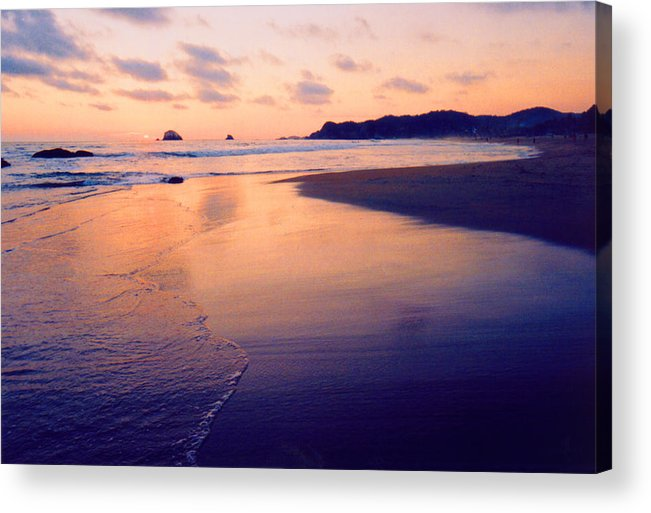 Sunset Acrylic Print featuring the photograph Awesome Zipolite Sunset 2 by Lyle Crump