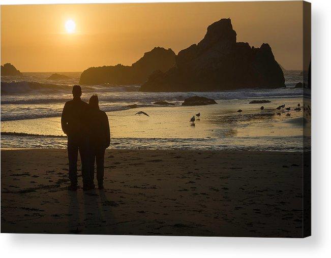 Harris Acrylic Print featuring the photograph Couple At Harris Beach 0197 by Bob Neiman