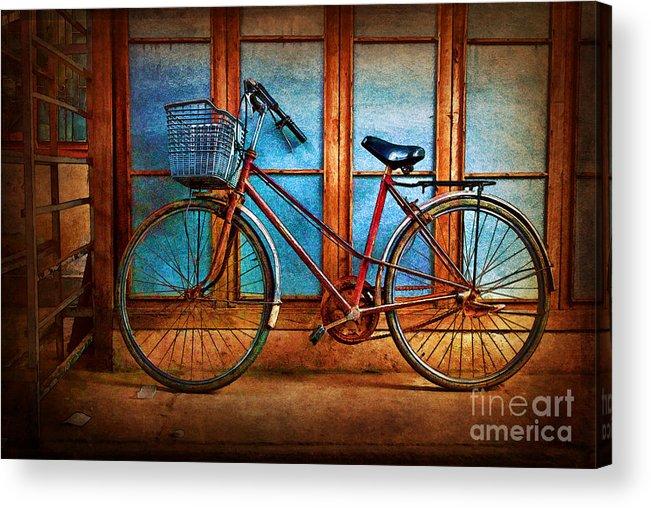 Hoi An Acrylic Print featuring the photograph Hoi An Bike by Stuart Row