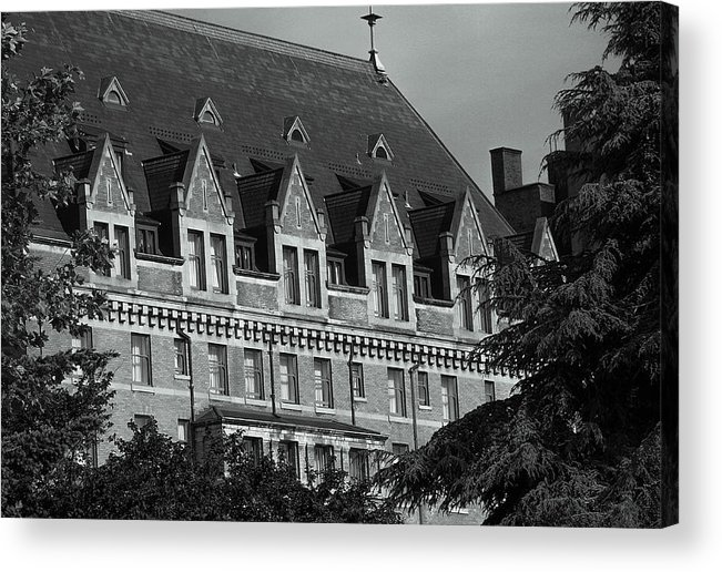 British Columbia Acrylic Print featuring the photograph Victoria 1 by Brian Fitzgearld