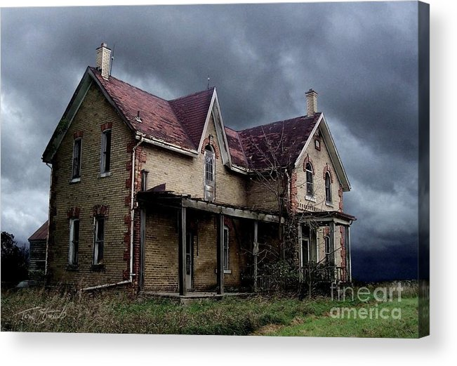 Haunted House Acrylic Print featuring the photograph Farm House by Tom Straub