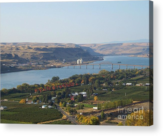 Maryhill Acrylic Print featuring the photograph Village Of Maryhill by Charles Robinson