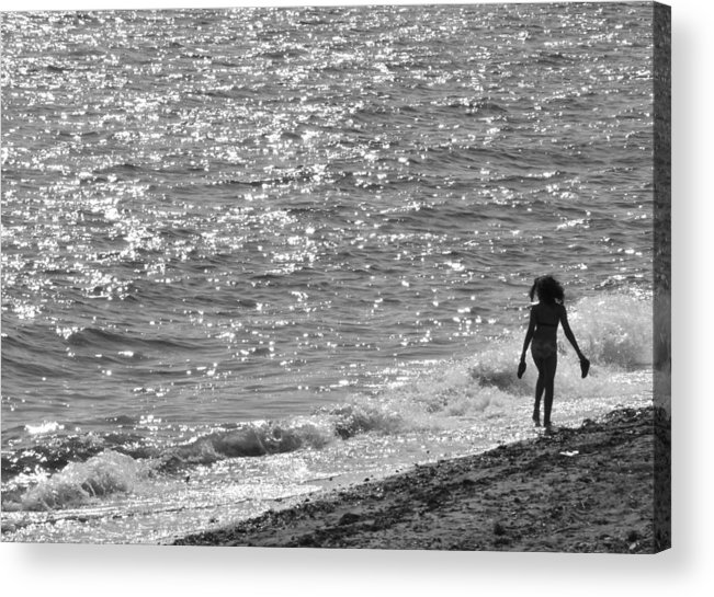 Black And White Photo Acrylic Print featuring the photograph Strolling On Connecticut Beach by Cindy Lee Longhini