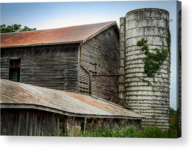 Shenandoah Valley Acrylic Print featuring the photograph Abandoned Barn by Pat Scanlon